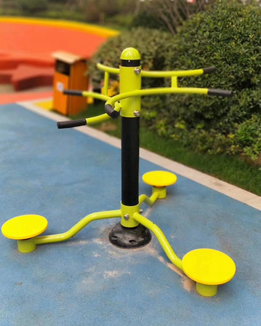 Playground Workouts Get a Full Workout from the Park