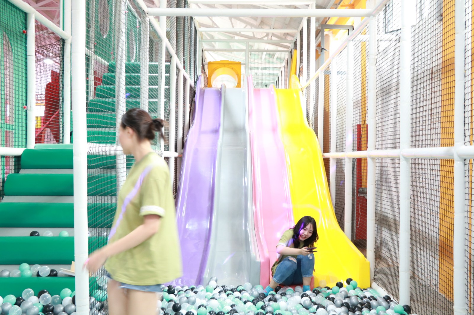 dream garden custom indoor playground manufacturer