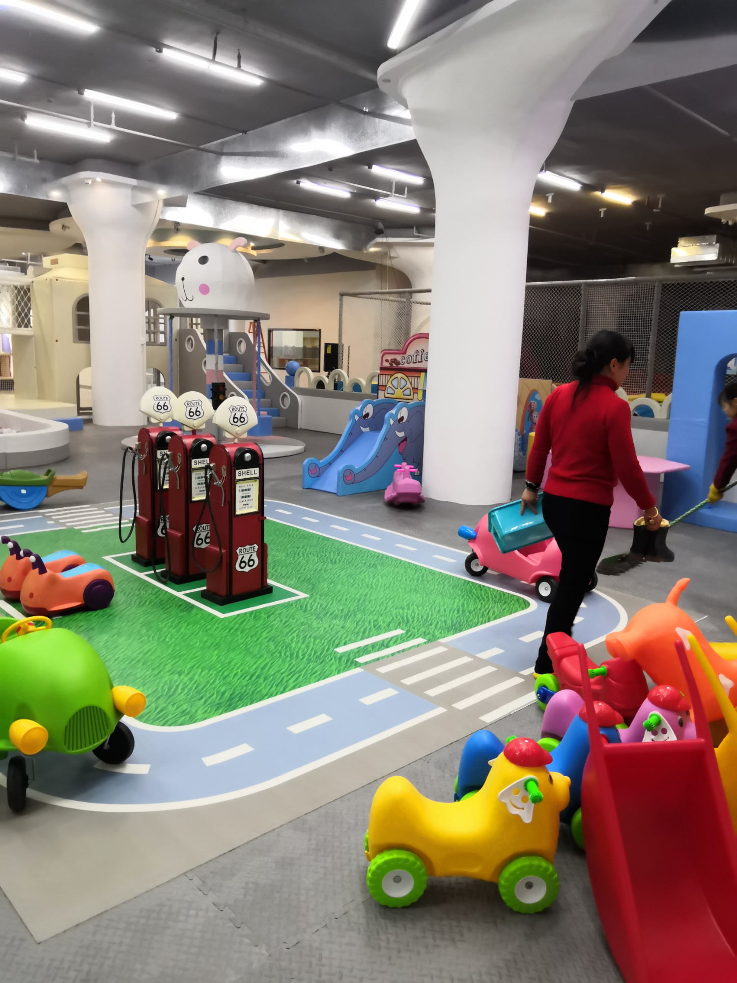 Guides for toddler indoor playground safety